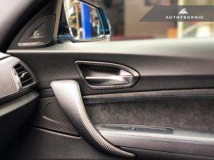 Autotecknic Trockencarbon Innentürgriff-Verkleidung für BMW 1er / 2er F20 / F22 / F87 M2 ohne Lichtpaket glänzend